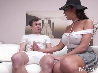 MOM Squirting big tits British MILF dishes out some rimming