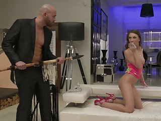 Skinny chick Veronica Clark is craving for hardcore anal pounding