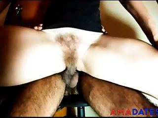 Hairy amateur girl lapdance peluda quickie
