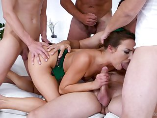 Tantalizing Blondie Gang Made Love - amirah adara