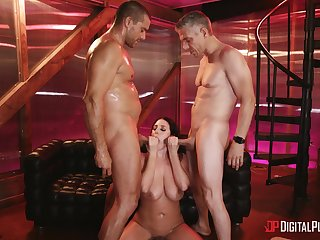 Hardcore MMF threesome with double penetration for Angela White