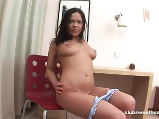 Solo brunette Vera I drops her panties to play with her cunt
