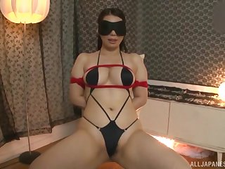 Home fetish suits thick wife with great sex